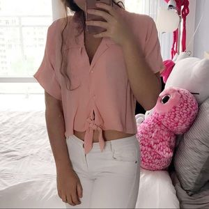 ✨Wilfred Free✨ Pink Crop Top Blouse